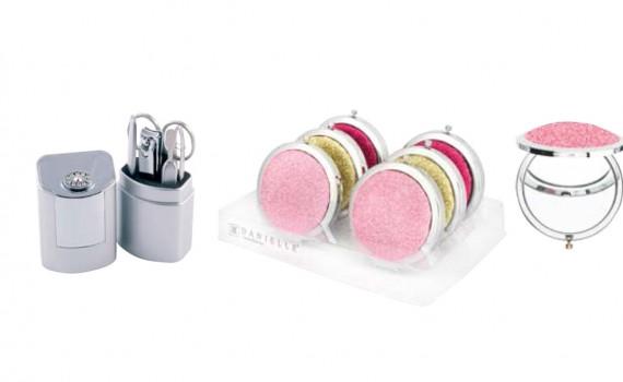 8f7e4b135 Danielle dispone de muchos accesorios que te ayudarán en el día a día para  maquillarte y asearte, desde cortauñas, espejos para bolso, llaveros con  luz, ...